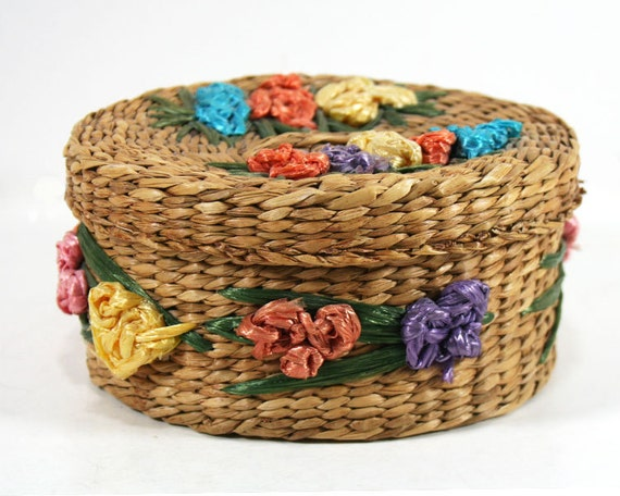 small oval woven basket with matching lid natural grasses. Black Bedroom Furniture Sets. Home Design Ideas