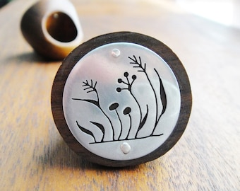 Weeds Round Wood Ring -- Modern Woods