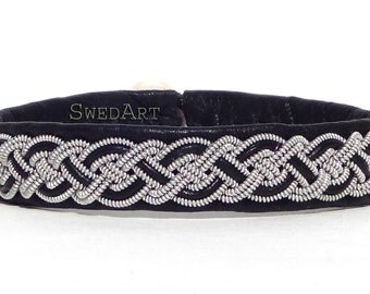 """SwedArt B02 Moose Swedish Reindeer Leather Sami Bracelet with Pewter Braid and Antler Button 3/8"""" Wide Black XX-SMALL"""