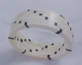 Very Old CELLULOID CHECKERBOARD Black & White 85.1 grams Bangle Bracelet