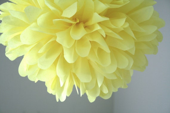 PALE YELLOW / 1 tissue paper pom pom / diy / wedding decorations / easter decoration / yellow decorations / pompoms / paper pompom