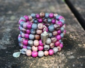 Shades of Purple Berries Acai Beads Bracelet: Acai Beads Memory Wire Bracelet / Eco friendly Jewelry, Organic Beads, Acai Seeds / Handmade