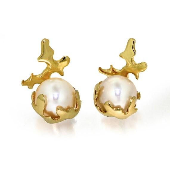 CORAL 14K Gold Earrings, Gold Pearl Earrings, Unique Freshwater Pearl Stud Earrings, Bridal Pearl Earrings, Small Pearl Posts