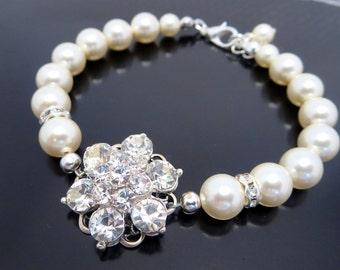 Rhinestone bridal bracelet, Pearl wedding bracelet, Bridal jewelry, Swarovski crystal bracelet, Wedding jewelry, Bridesmaid bracelet