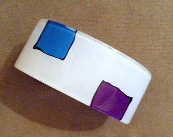 1970s Groovy Plastic WIDE WHITE Design Bracelet with Blue and Purple Boxes