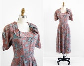 vintage 1940s dress / 40s dress / Horses Novelty Print Blue and Taupe Dress