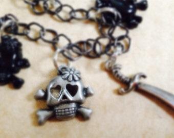 black & silver skull charm bracelet