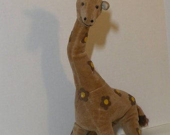 Lovely old tagged stuffed toy Giraffe by Russ Berrie