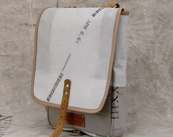 Small Messenger Bag, Unisex Bag, Pouch, Crossbody Bag, Recycled Car Airbag, Light Material Bag / Upcycled and Handmade in GERMANY - 2148