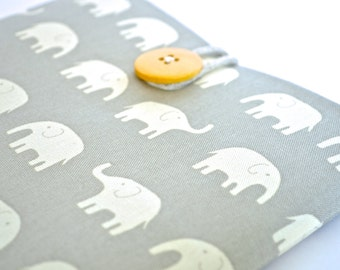 """14"""" to 15.6""""  Laptop Sleeve MacBook Pro 15 inch Case Retina Display Padded Cover Custom Size Available- Elephants"""