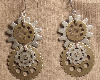 Steampunk gear earrings, mixed metals. 061420