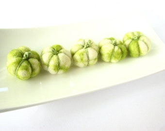 SALE 5 tiny wool pumpkins (green and white marble). Rustic halloween decor, pumpkin decorating, halloween table decor, halloween decor