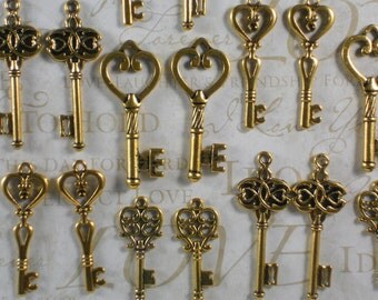 20 Gold Just Hearts Keys Collection Golden Wedding Anniversary Favors (K56 -20)