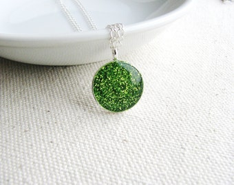 Glitter Pendant Necklace Green Apple Sparkle Minimalist Resin Jewelry Bridal Fresh Whimsical Gift Ideas Unique Funky