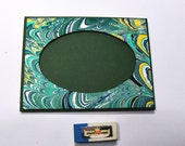 Italian Marbled paper oval frame. Hand crafted Florentine style -  SIZE: 3.9
