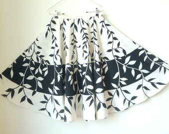 Skirt - Circle - Retro Style -Designer - Ivory - Black - Leaves - Branches - 90s - Cotton - Resort - Skirt - Recycled - UNIQUE - Size Medium