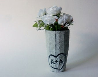 Gray Vase / small vase /  grey home decor / custom couple gift / personalized gift / custom gift / gift for couple / under 20 / initials i