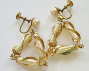 vintage gold tone and white dangle and drop triangle hoop loop screw back screw on or screw back earrings 814B