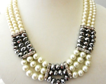 Short Necklace 3 strands Cascading pearl and crystal anthracite - vintage 1970 Italy - clasp with crystals -Art.836 -
