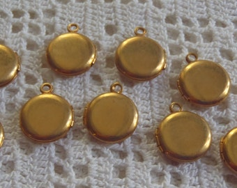 Vintage Lockets Gold Tone Metal 9 Pieces