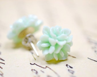 Mint Green Blossom Earrings, Pastel Floral Studs, Retro Jewelry, Pale Green Cottage Chic Vintage Style Jewelry, Ear Bob Flowers