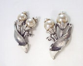 Designer Earrings Pearls and Silver Tone Clip On Vintage Tortolani