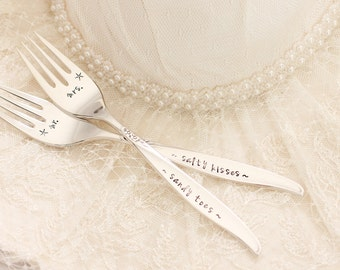Beach Wedding Place Setting, Mr. and Mrs. Forks Sandy Toes Salty Kisses Starfish Forks - beach bridal shower gift idea, Winsome MTO