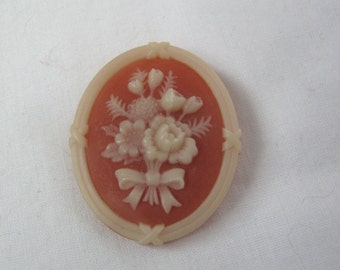 Vintage Avon Flower Bouquet Cameo Pin Brooch