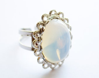 White opal statement silver cocktail ring with scallop edges | Adjustable ring