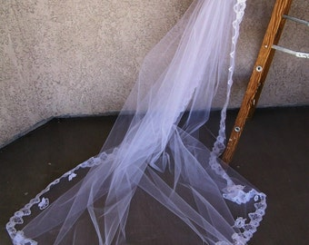 Vintage Long  Lace Mantilla Style Bridal Veil and Headpiece