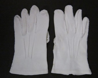 4-Childrens White Dress/Church/Wedding gloves - 5-1/2 inches long(393g)