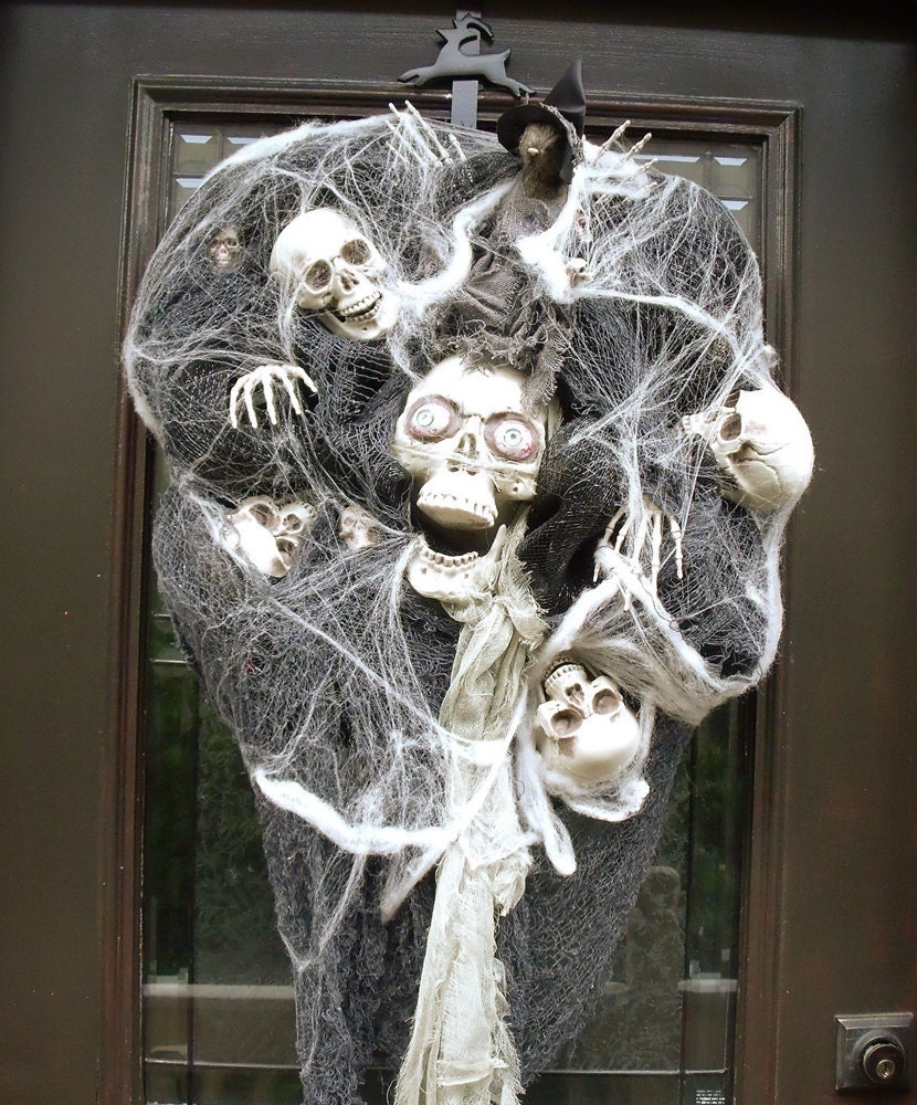 Scary Halloween Wreath Skull Wreath Skull and Bones
