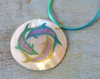 Leather Surfer Necklace Choker with Cabibe Shell Dolphins Beach Jewelry Vacation