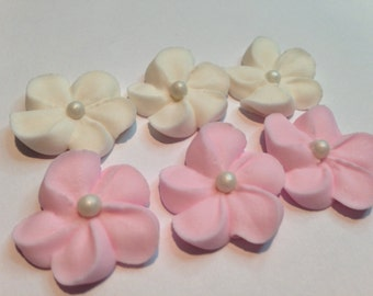 LOT of 100  Royal Icing flower in ivory and light pink with white sugar pearl center