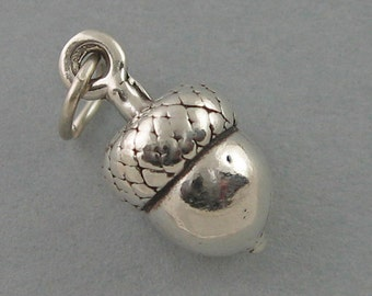 Sterling Silver Charm Pendant Solid ACORN Garden Oak Tree Autumn 1771