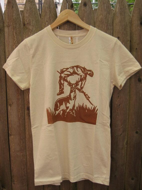 Deer vs Hunter: Men's/Unisex T-shirt (Natural)