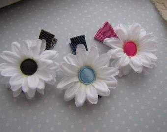 Sweet Daisies . clippie set . girls hair accessory . brown blue pink