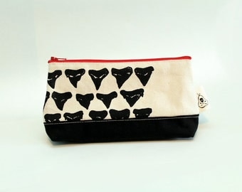 Canvas Shark Tooth Print Zip Pouch