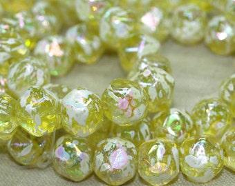 Strand of 20 Yellow Splattered German Glass Beads. NGL617