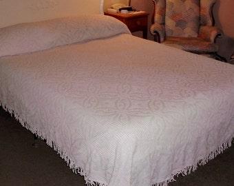 Vintage Pale Pink Chenille Summer Bedspread