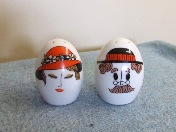 Lady and gentleman egg shaped salt and pepper shakers japan - Egg shaped salt and pepper shakers ...