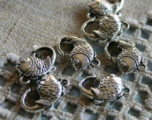 8pcs Clasp Lobster Claw Antiqued Silver Finished Pewter 17x12mm Fish Design