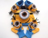 Despicable Me Minion set-Minion Hats ,Despicable Me Minion Mittens Gloves and Booties- Baby Boy Girl Photo Prop Set -baby halloween outfits