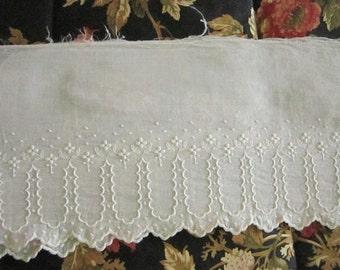 Vintage Lace Strip - Supply Lace - Destash