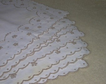 Vintage White Linen Embroidered Luncheon Place Mats & Napkins - Set of Eight