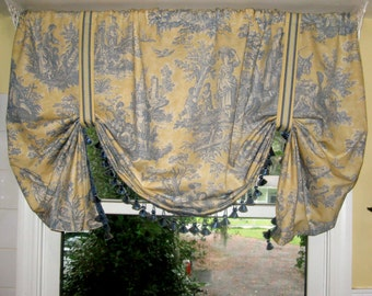 Toile Relaxed Roman Valanced Curtain