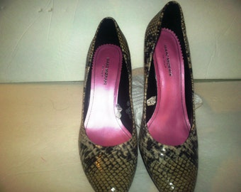 ladies shoes snake skin print