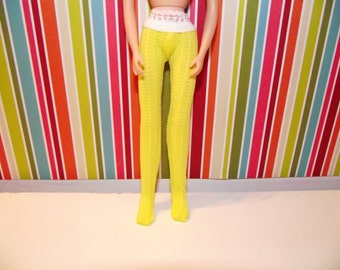 bright yellow with dot texture leggings for Blythe