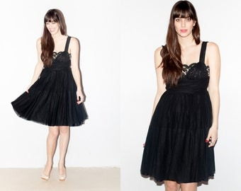 Gorgeous 1950s Black Fit and Flare Gown with Nude and Black Lace Panel on Chest. S/M