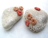 Croche Lace Stone, Vintage style, Personalized paperweight,  Pebble art, Shabby chic party decor. Decoration rock, Red floral rocks